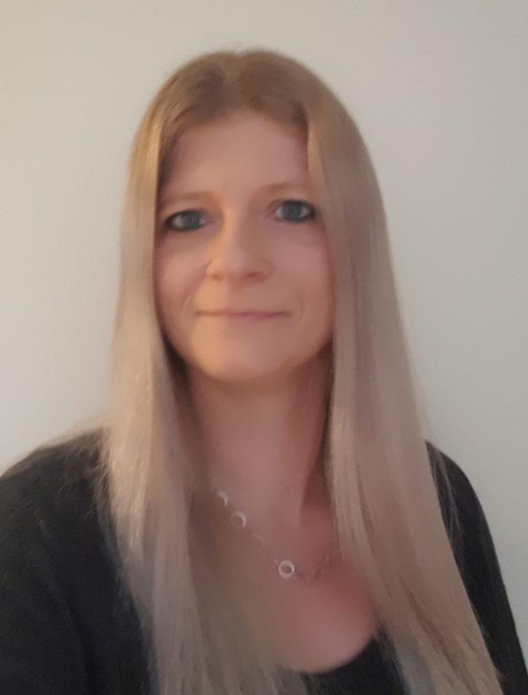 Frau Nicole Gumbinger